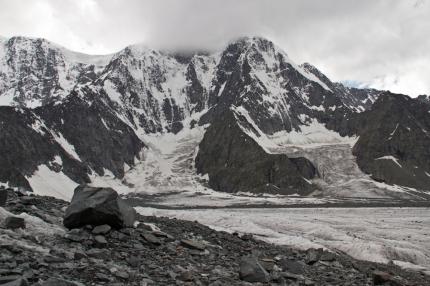 В Республике Алтай спасатели снова эвакуировали пострадавших в горах туристов